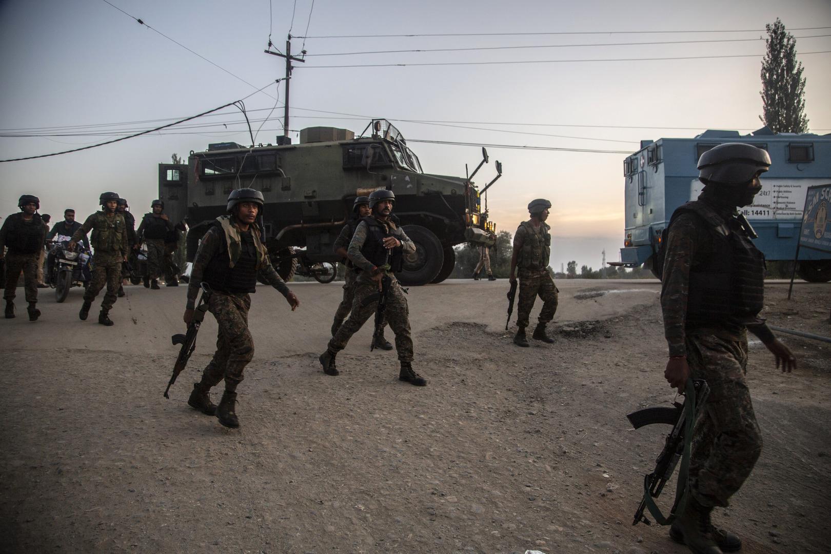 عملية بحث عن الإرهابيين المتسللين في كشمير