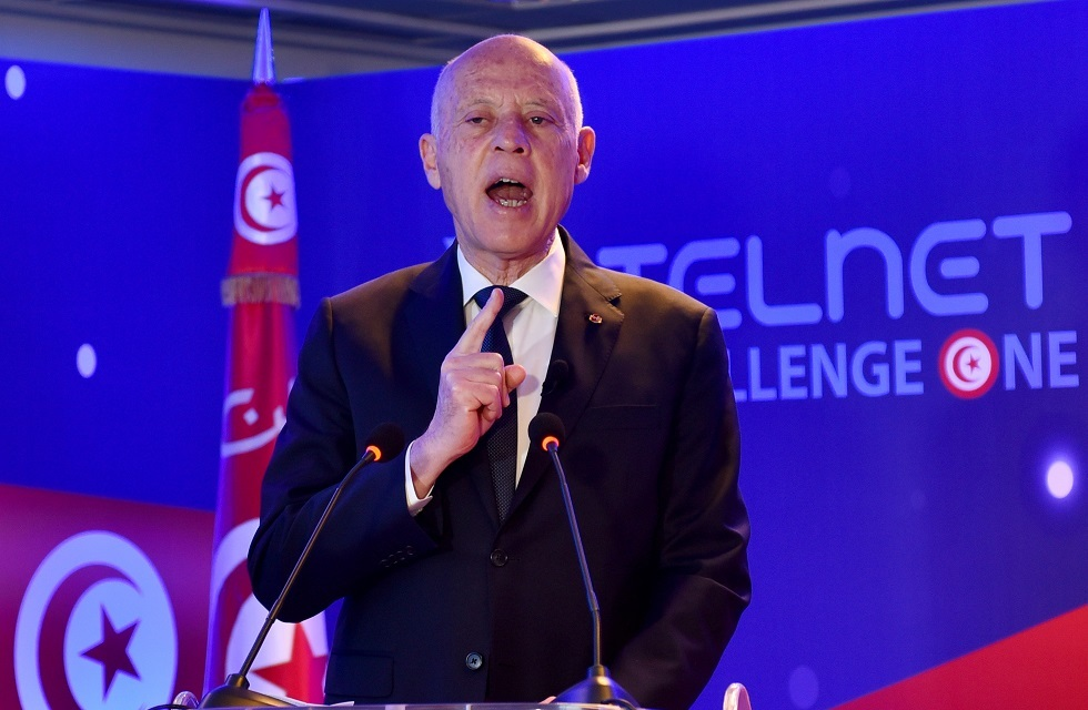 الرئيس التونسي يتهم خصومه ببث الفوضى والفتنة في البلاد