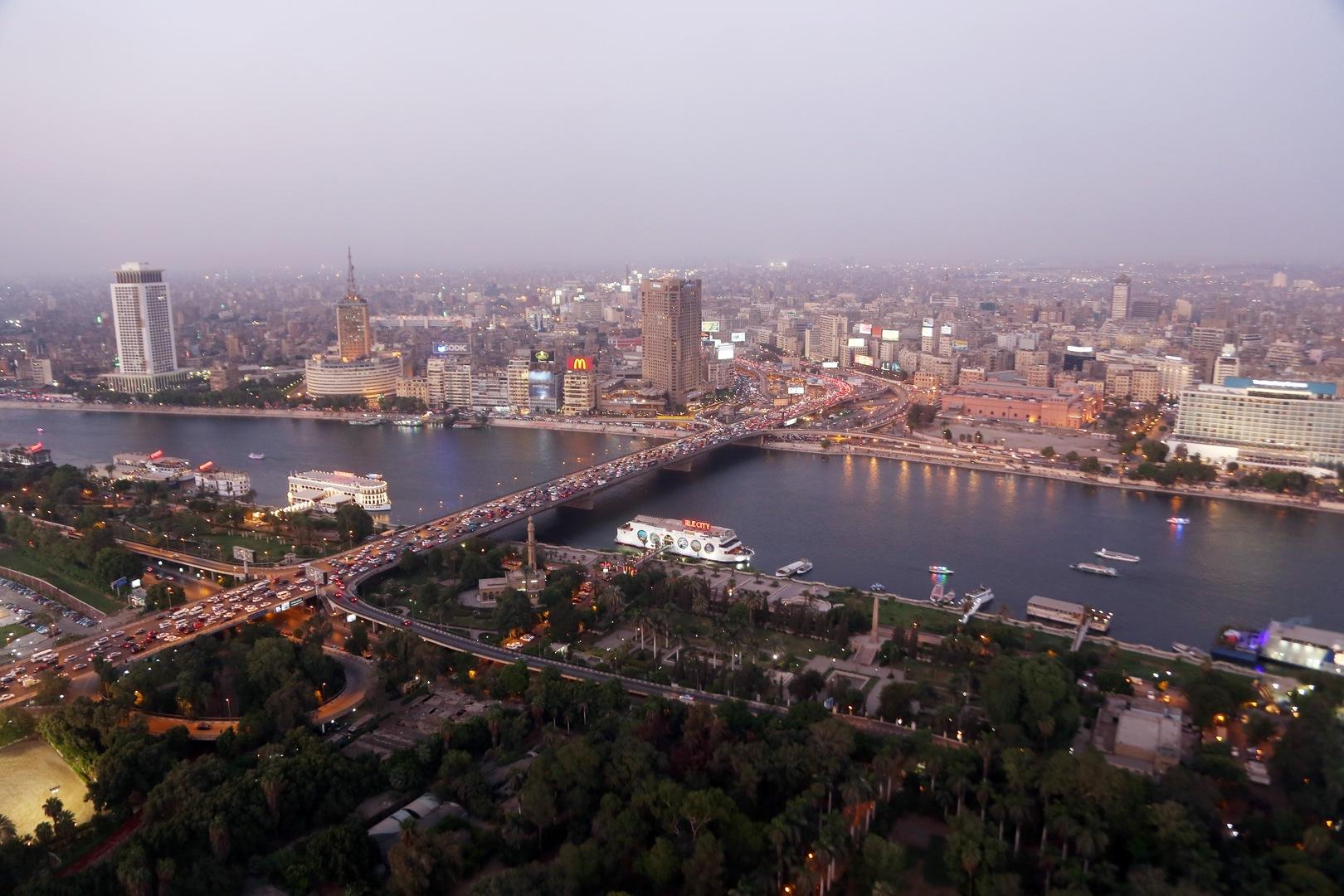 مصر.. أول سيدة تحصل على رخصة قيادة مهنية في الصعيد تعمل في نقل أسطوانات الغاز