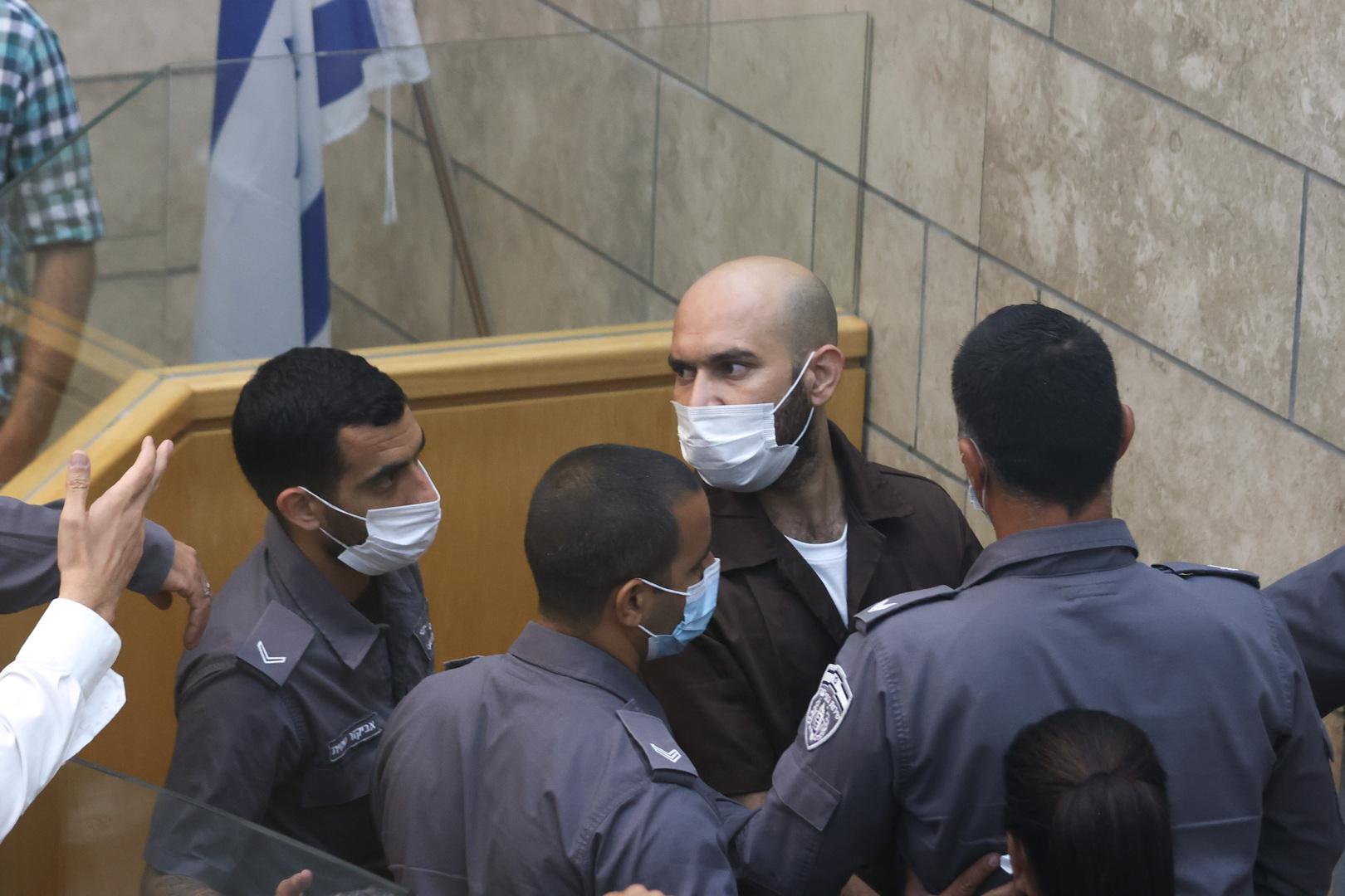 محامي الأسير الفلسطيني أيهم كممجي ينقل عنه تفاصيل جديدة حول التحقيقات معه