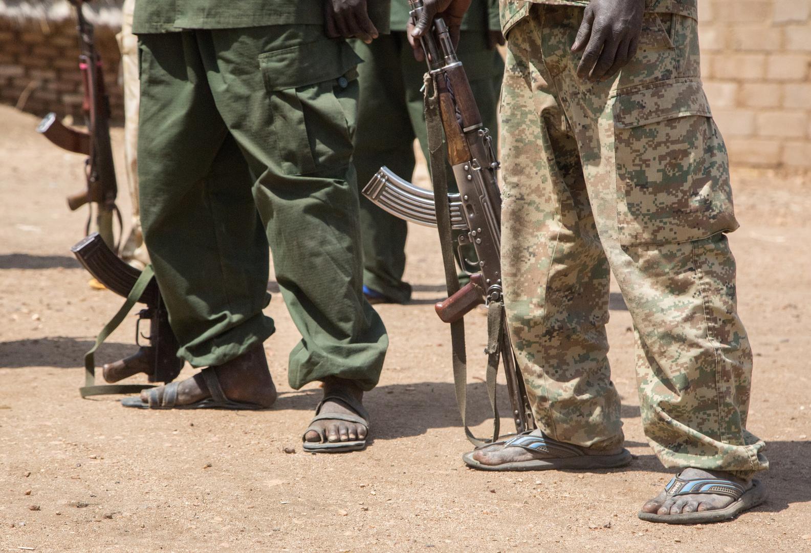 وكالة: اعتقال 40 ضابطا لتورطهم في