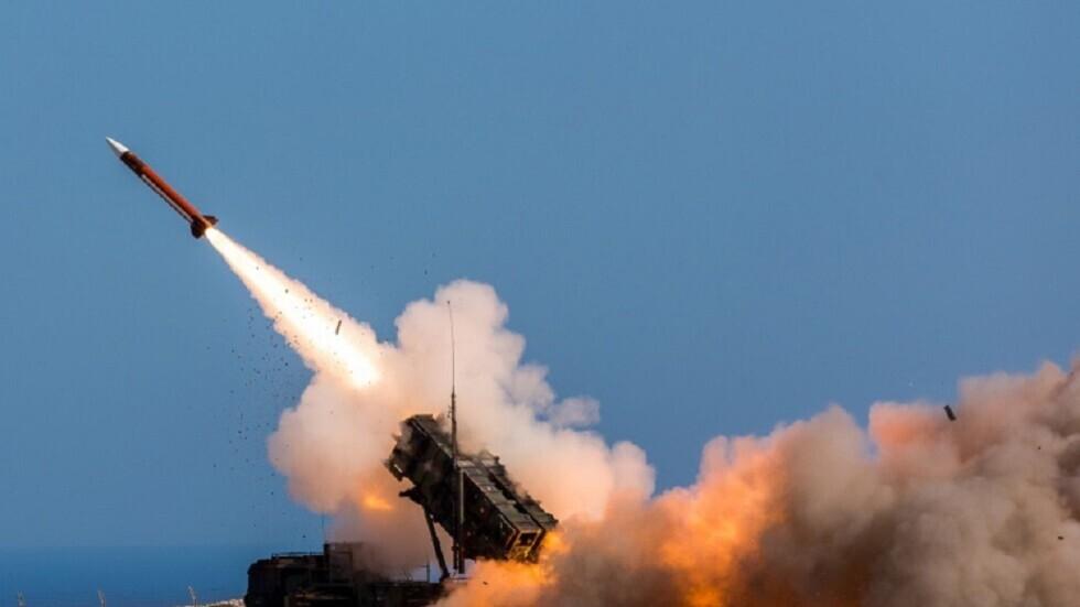 إطلاق صاروخ من منظومة دفاع جوي سعودية.