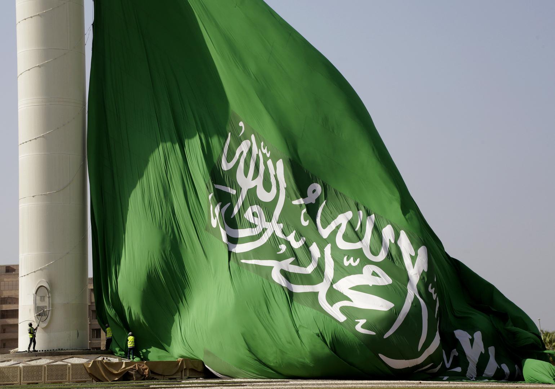 السعودية.. ضبط قائد مركبة ارتكب مخالفات مرورية (فيديو)
