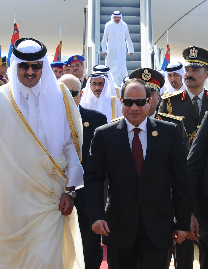 أمير قطر يبعث برقية تعزية إلى الرئيس المصري
