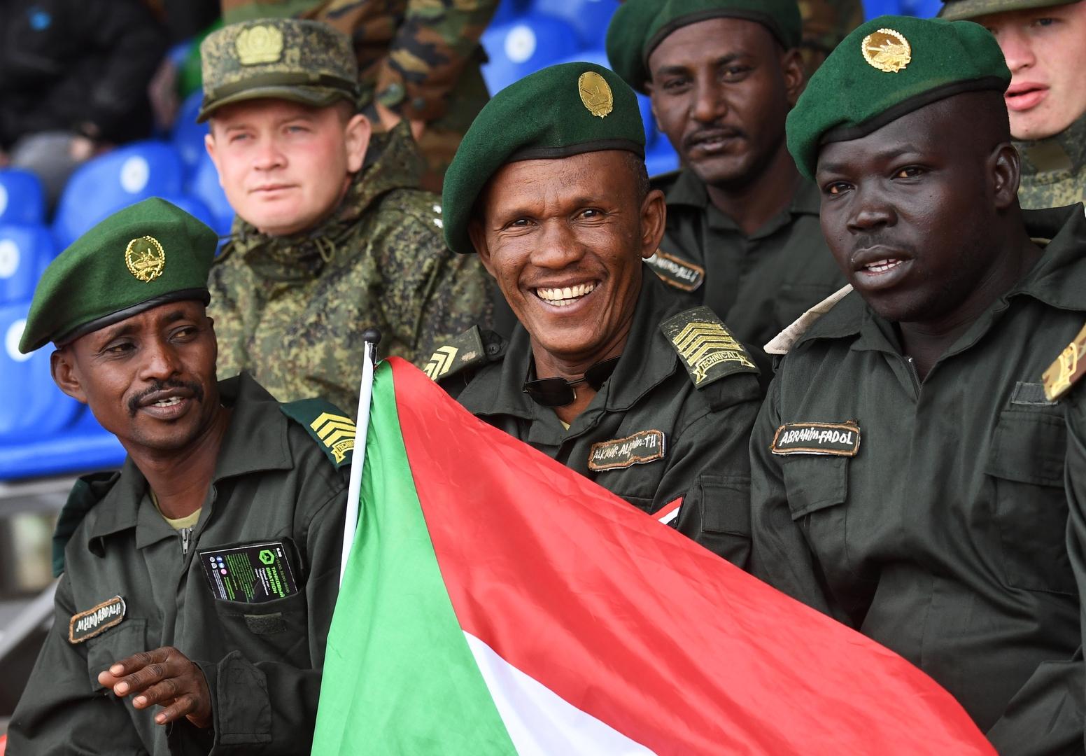 السودان.. البرهان وحميداتي يؤكدان على أهمية دور القوات المسلحة ويهاجمان السياسيين