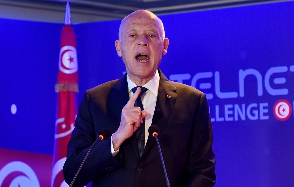 الرئيس التونسي يوسع صلاحياته بأمر رئاسي