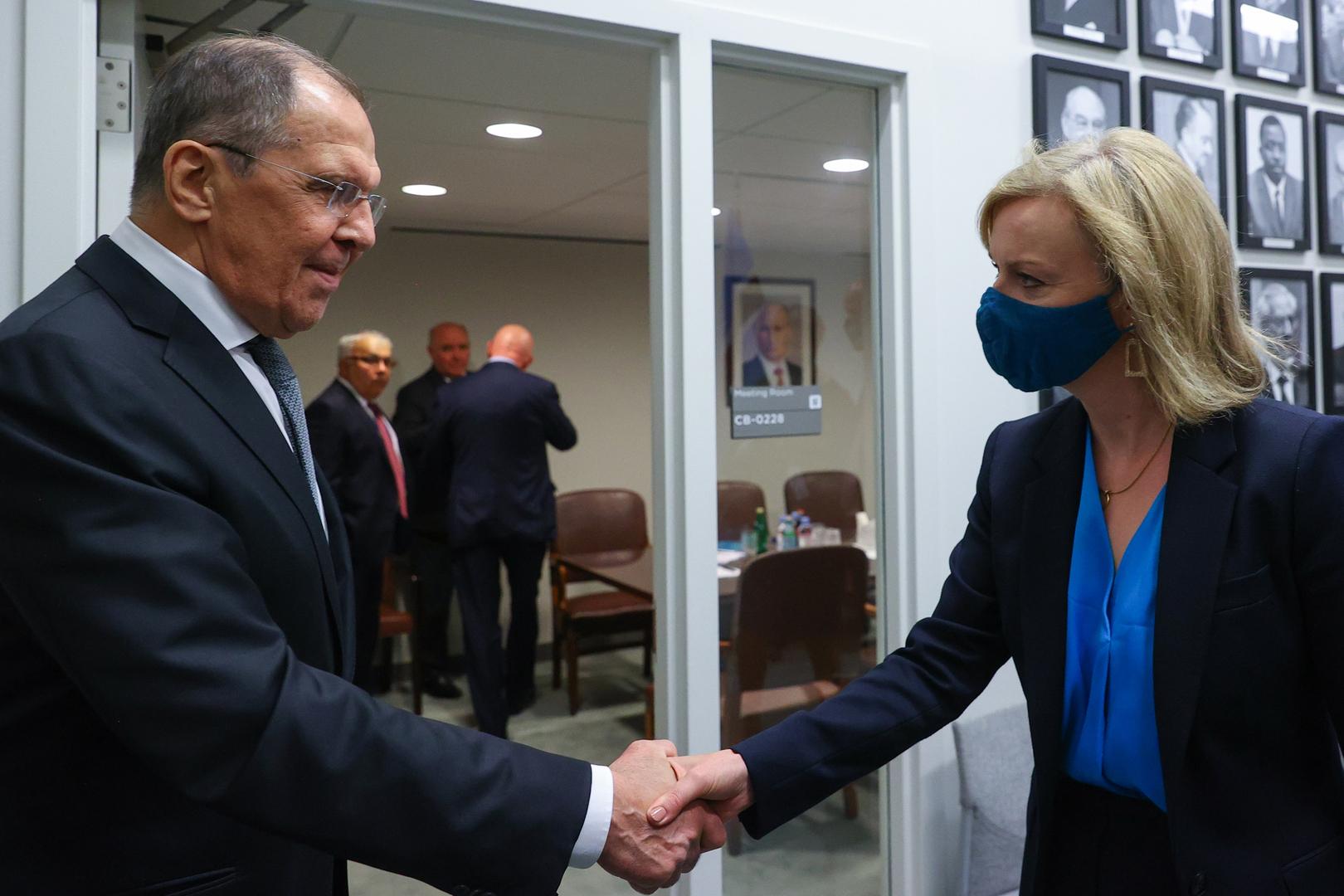 وزيرا خارجية روسيا وبريطانيا يبحثان الاستفزازات الحدودية ونووي إيران والملف الأفغاني