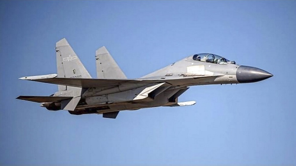 مقاتلة صينية من طراز J-16