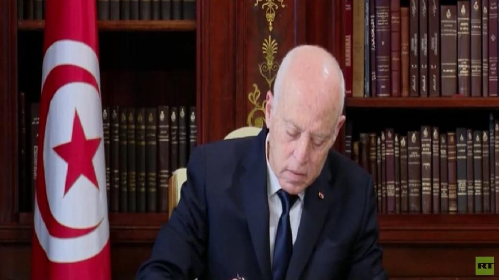 إعلان تشكيل جبهة تطالب بعزل رئيس تونس