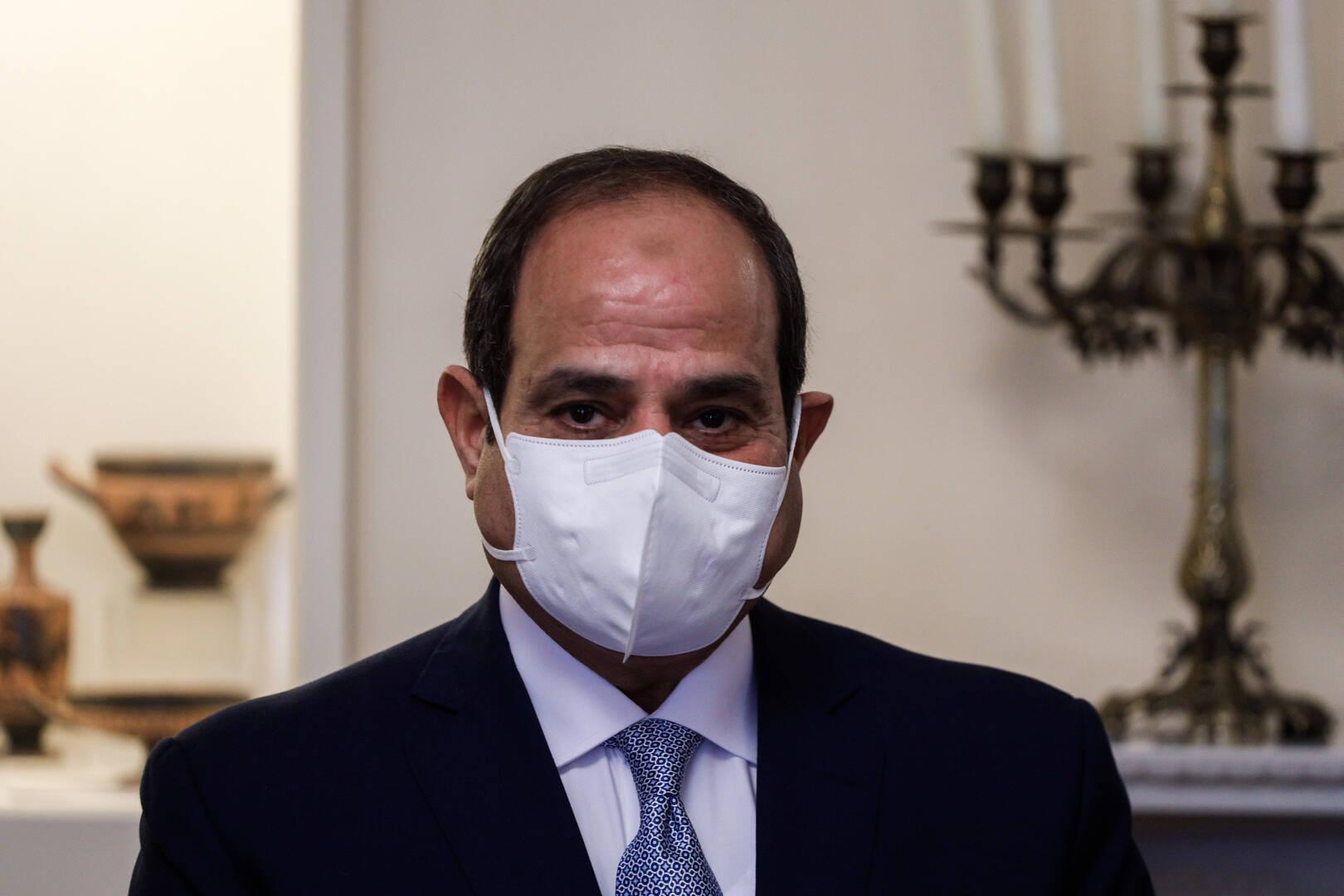 السيسي يمنح لاعبين ولاعبات مصريات أوسمة من الطبقة الثانية والثالثة