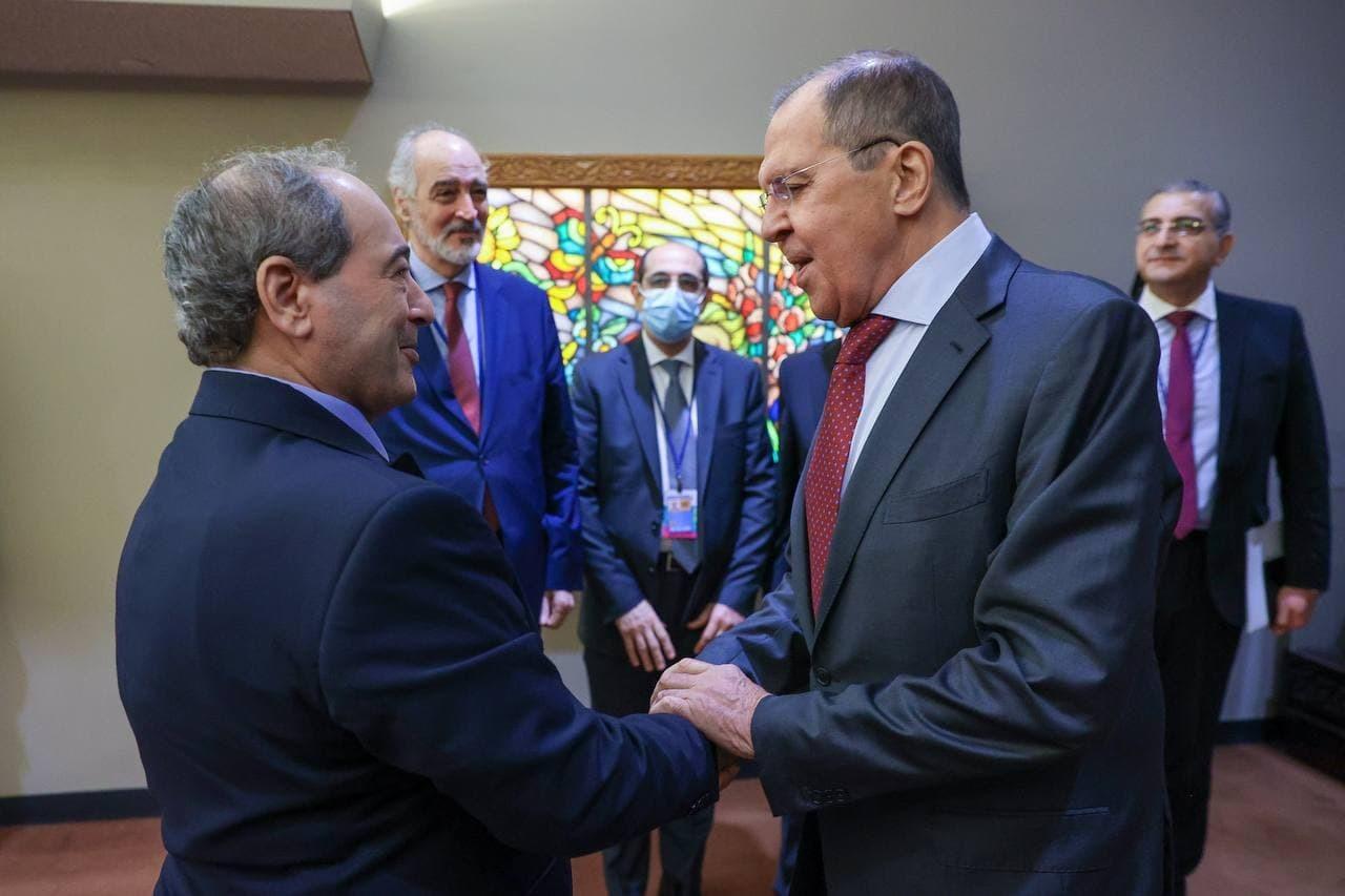 لافروف يؤكد للمقداد دعم روسيا الثابت لسيادة سوريا
