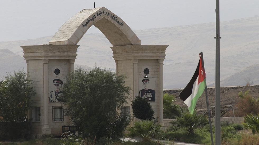 الأردن يلغي الترانزيت عبر جسر الملك حسين
