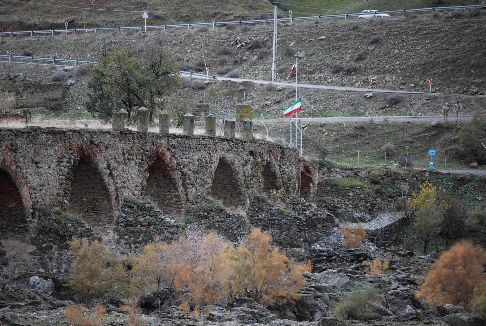 تركيا على الخط.. تلاسن بين سياسين من إيران وأذربيجان
