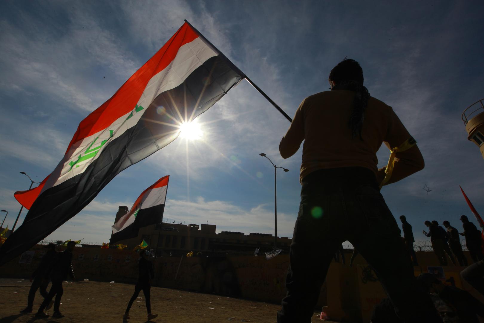 مساع لتحريك ملف الأموال العراقية المجمدة في فرنسا لشراء أسلحة ومعدات عسكرية