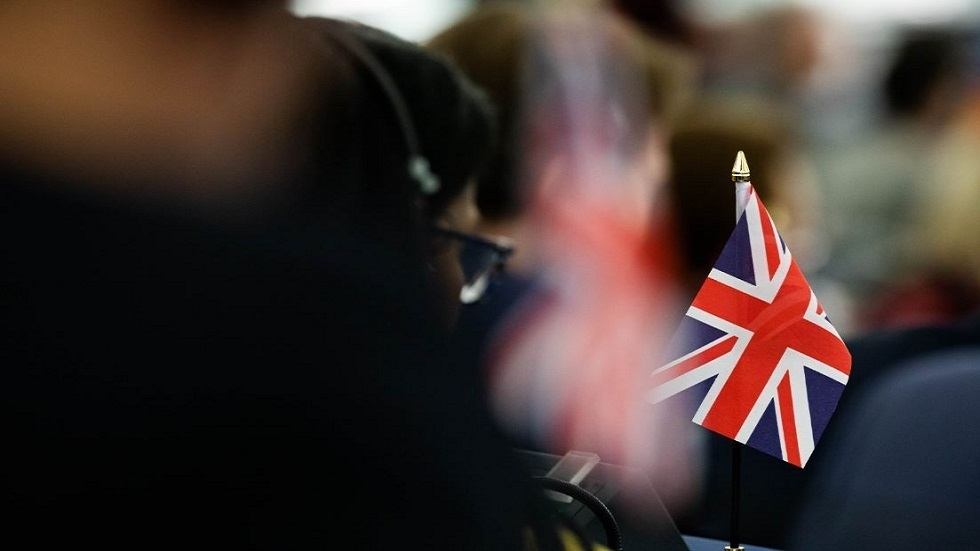 بريطانيا.. 180 وفاة و35623 إصابة جديدة بكوفيد-19