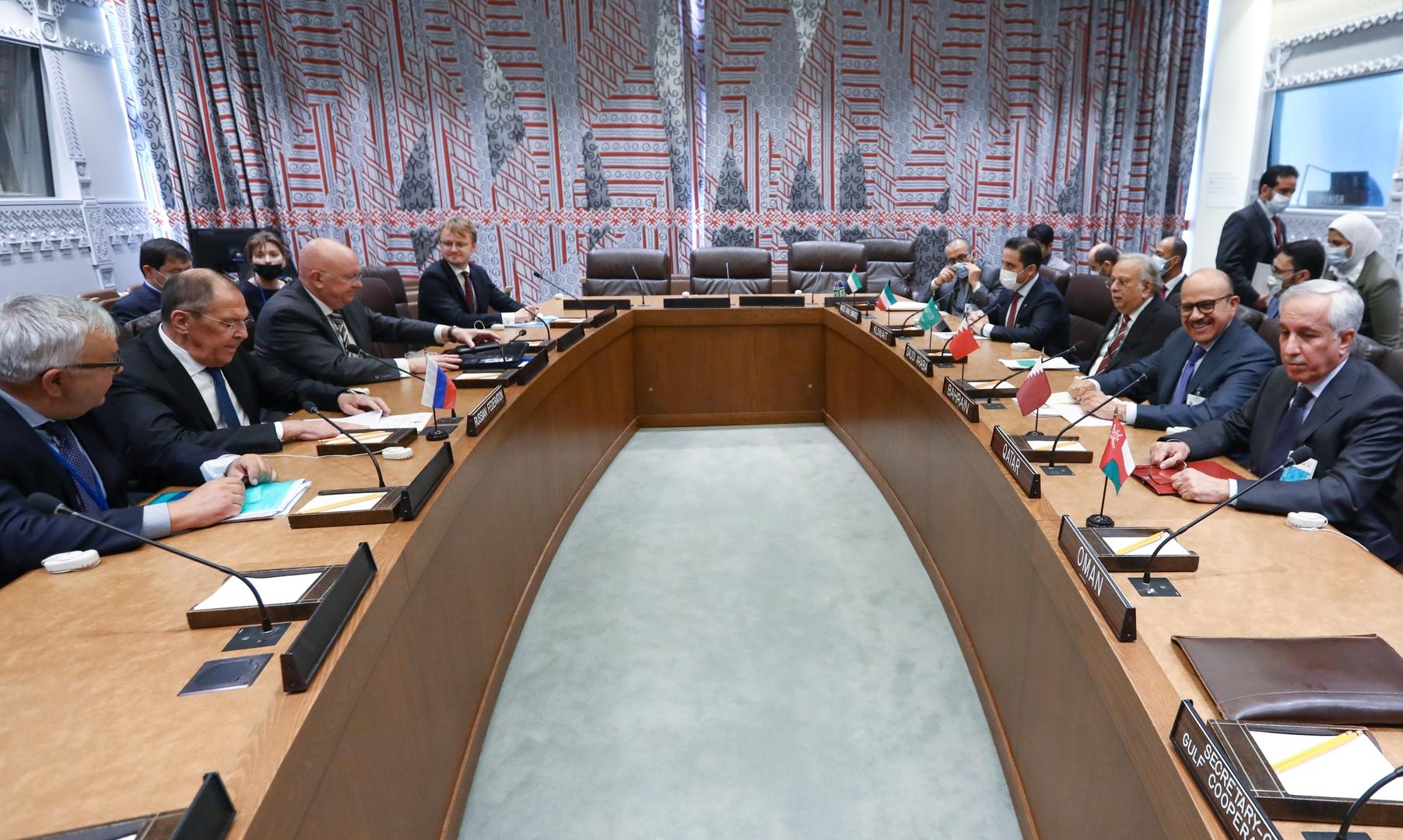 لافروف يبحث المبادرة الروسية لأمن منطقة الخليج مع مجلس التعاون الخليجي