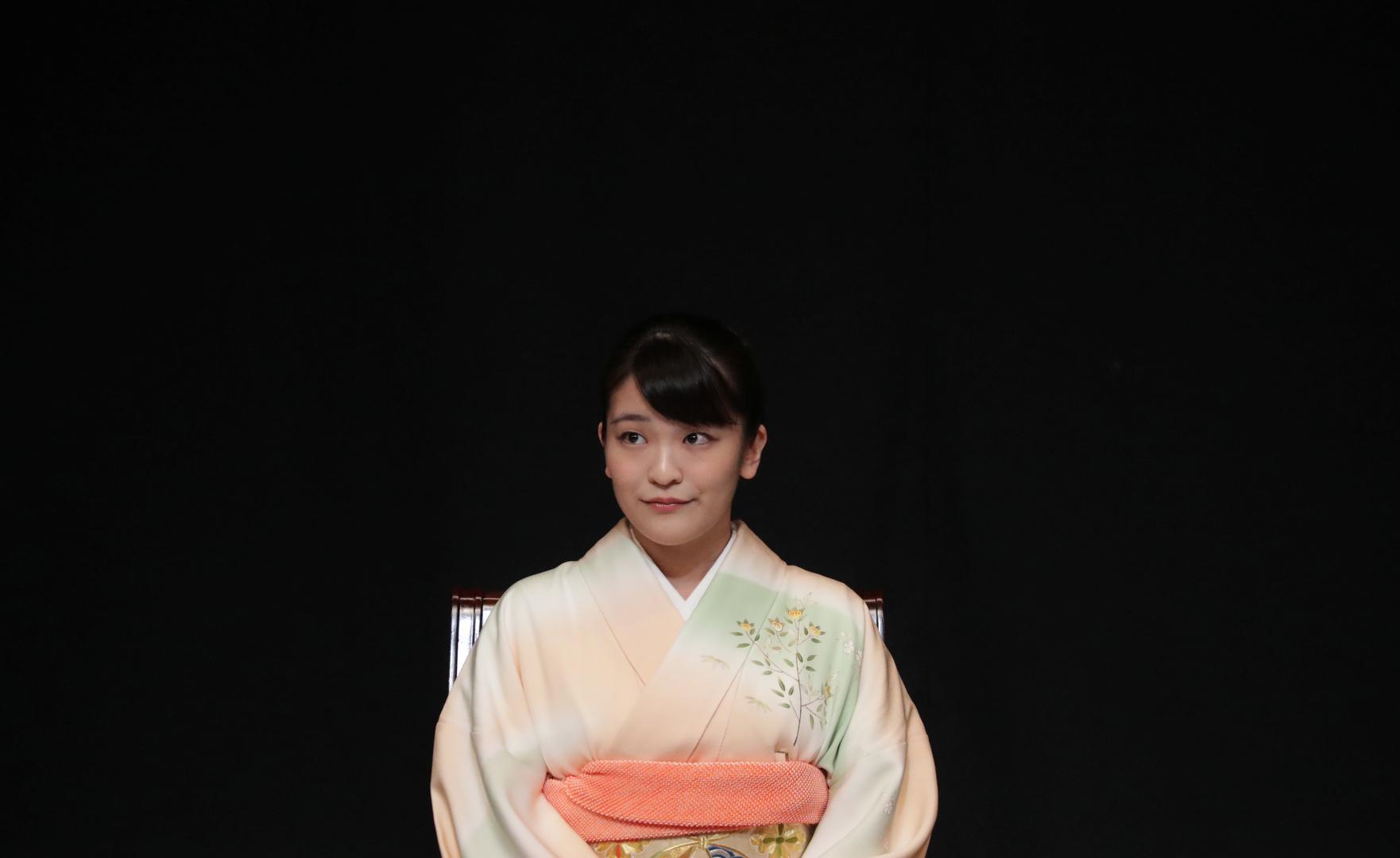 الأميرة اليابانية ماكو ستتنازل عن مليون دولار لتتزوج شابا من العامة