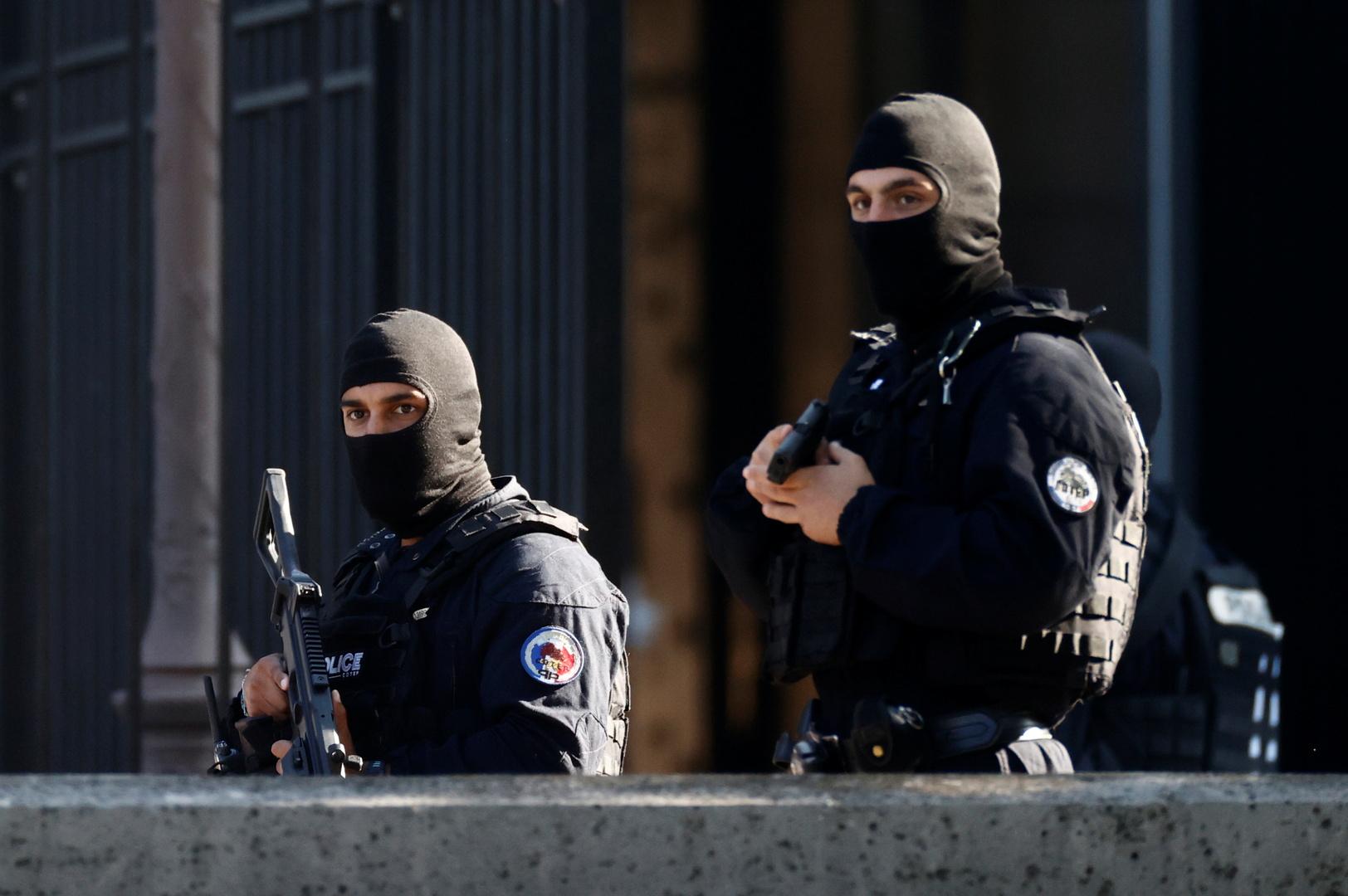 فرنسا.. القبض على 5 من