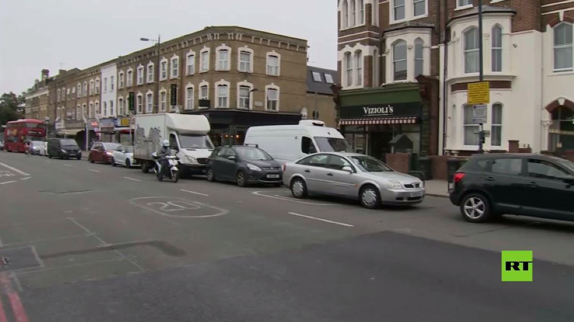 بالفيديو.. طوابير سيارات في لندن نتيجة نقص الوقود المفاجئ في المحطات