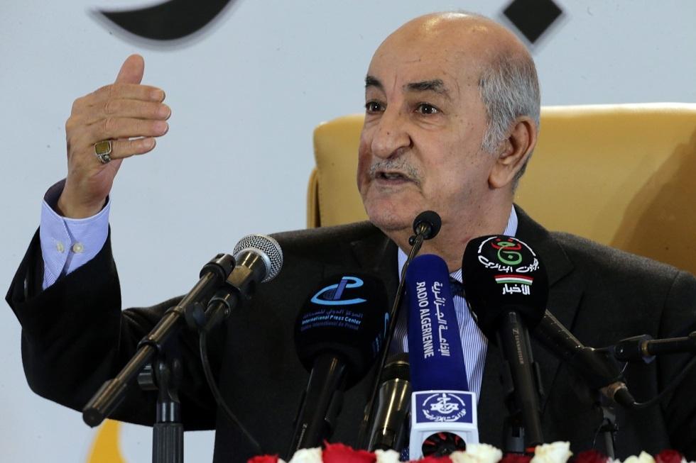 استثنى دولة واحدة.. الرئيس الجزائري يقول إن بلاده تتعرض لهجمات إلكترونية كبيرة من دول الجوار