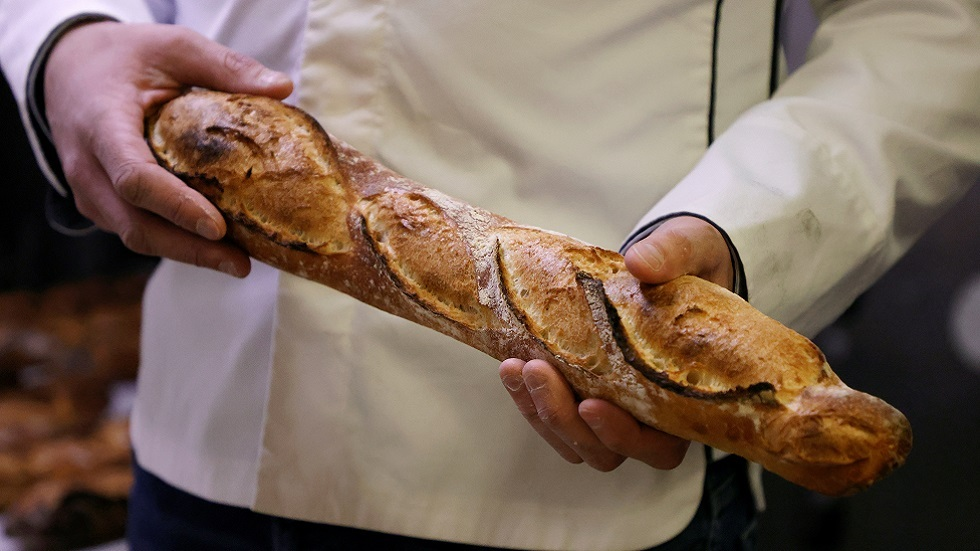خباز تونسي يظفر بوظيفة خباز الإليزيه بعد فوزه بلقب صانع