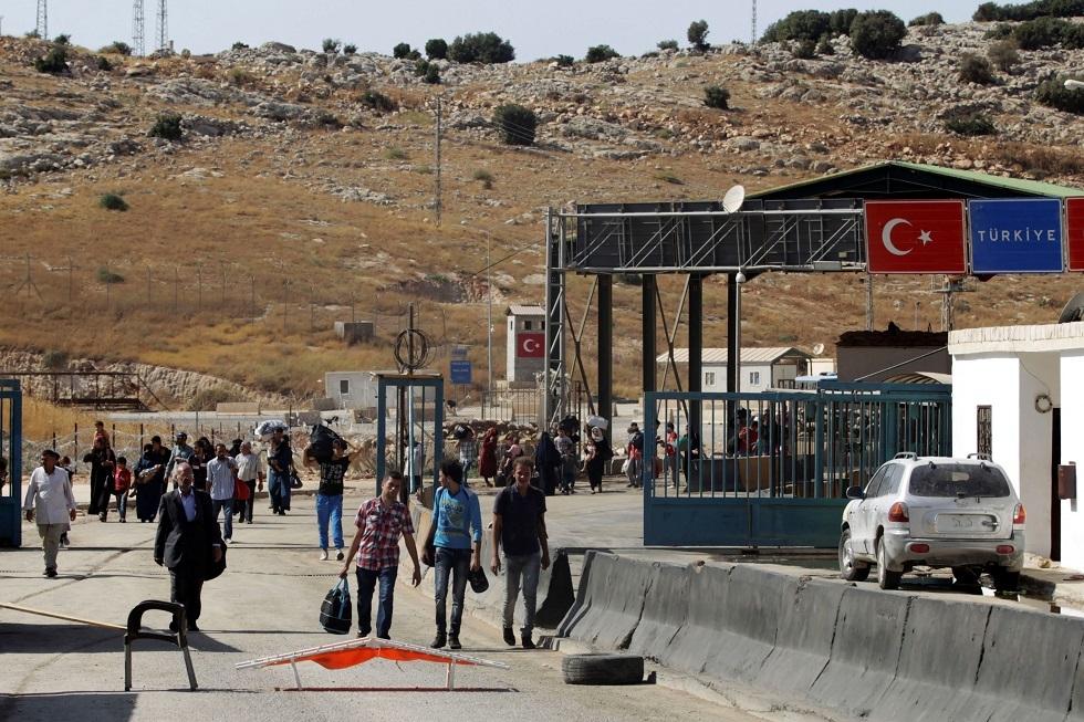 لاجئون سوريون على الحدود السورية التركية - أرشيف -