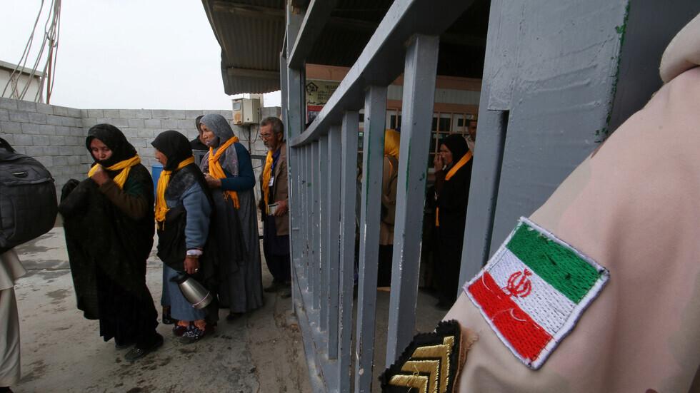مراسلنا: إصابة 40 إيرانيا بسبب التدافع خلال محاولتهم الدخول إلى العراق