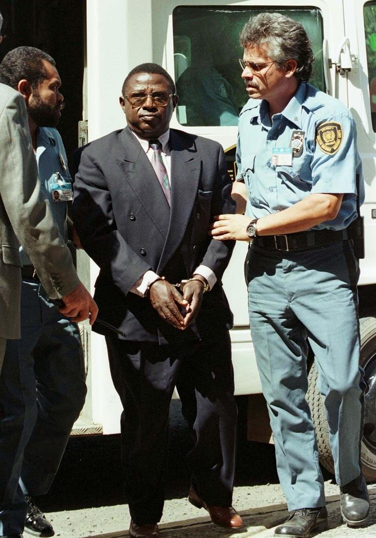 الكولونيل السابق بالجيش الرواندي ثيونيست باغوسورا المتهم بتدبير مذابح راح ضحيتها 800 ألف شخص أثناء الإبادة الجماعية عام 1994