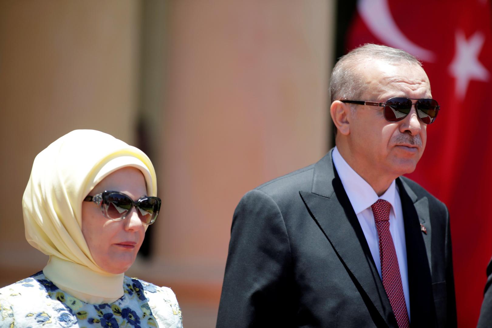 صحيفة معارضة تكشف تكاليف كتاب طهي أعدته أمينة أردوغان
