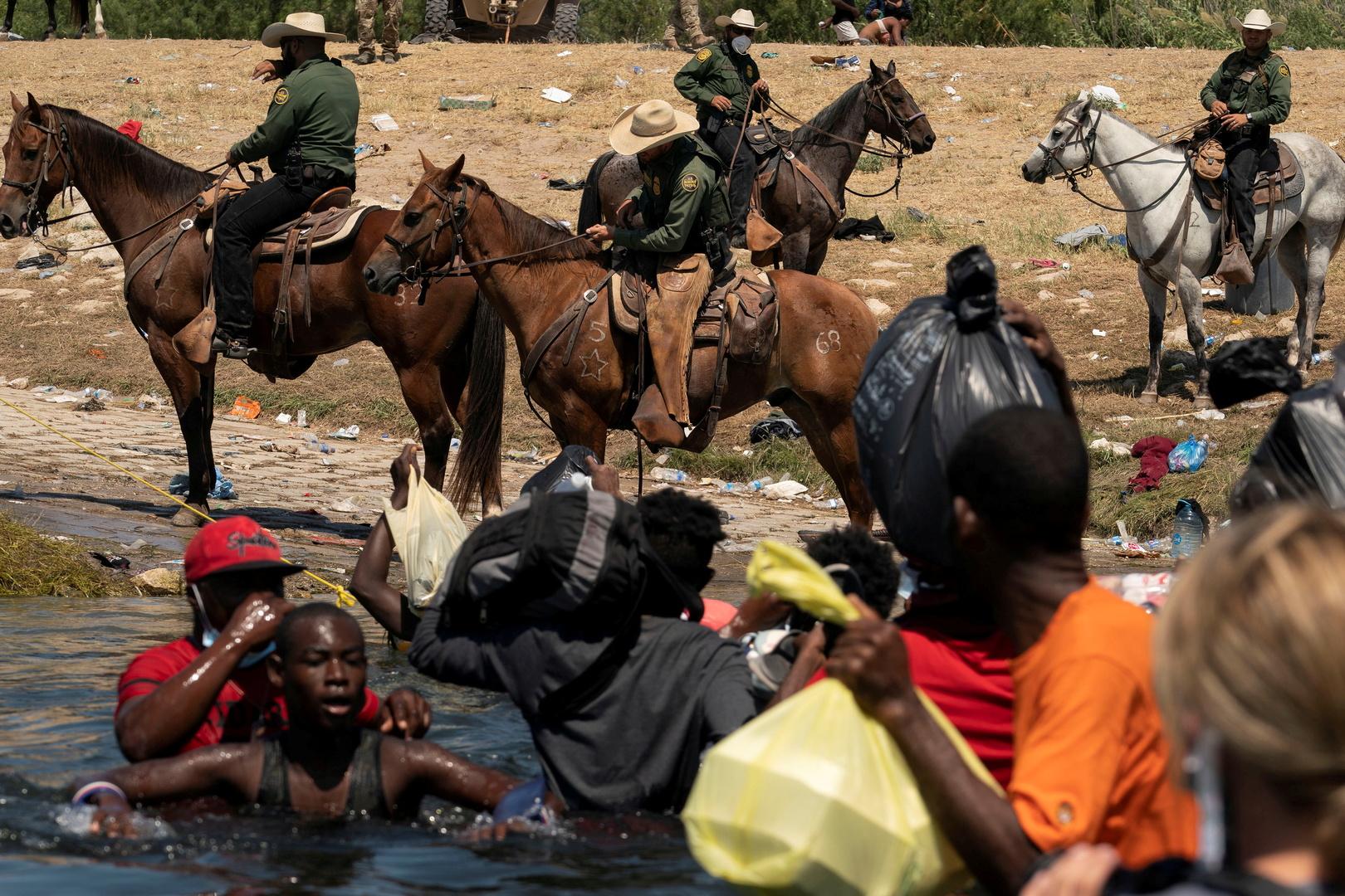 كامالا هاريس عن ملاحقة ضباط الحدود للاجئين من هايتي: هذا أسلوب استخدم ضد الأفارقة زمن العبودية