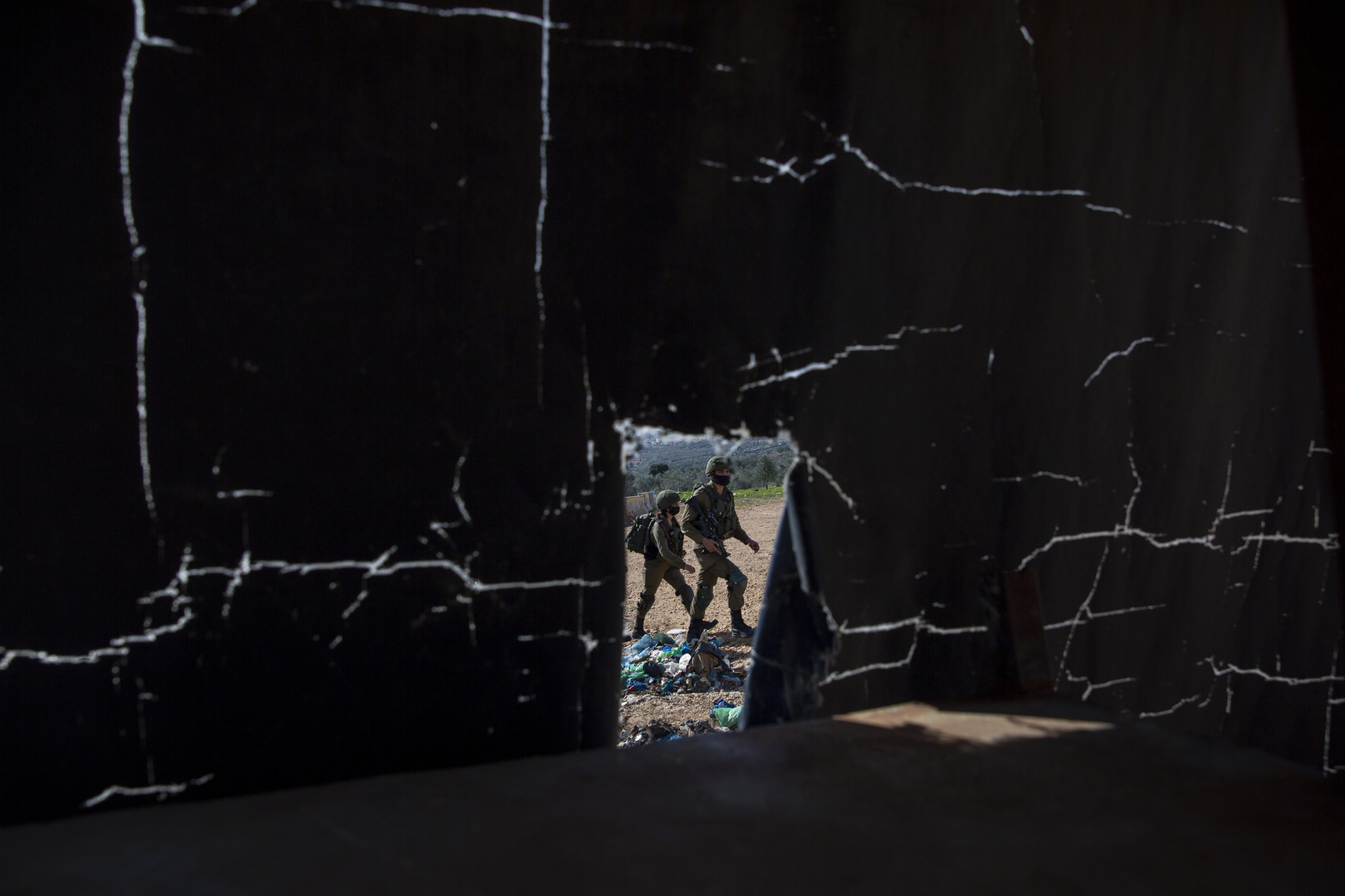 تحقيق أولي: الجنديان الإسرائيليان الجريحان في الضفة أصيبا بنيران صديقة