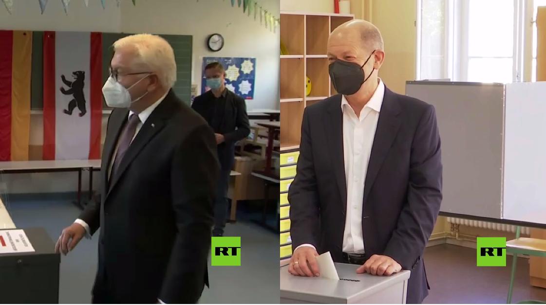 رئيس ألمانيا ومرشح الحزب الديمقراطي الاشتراكي يدليان بصوتيهما في انتخابات البوندستاغ