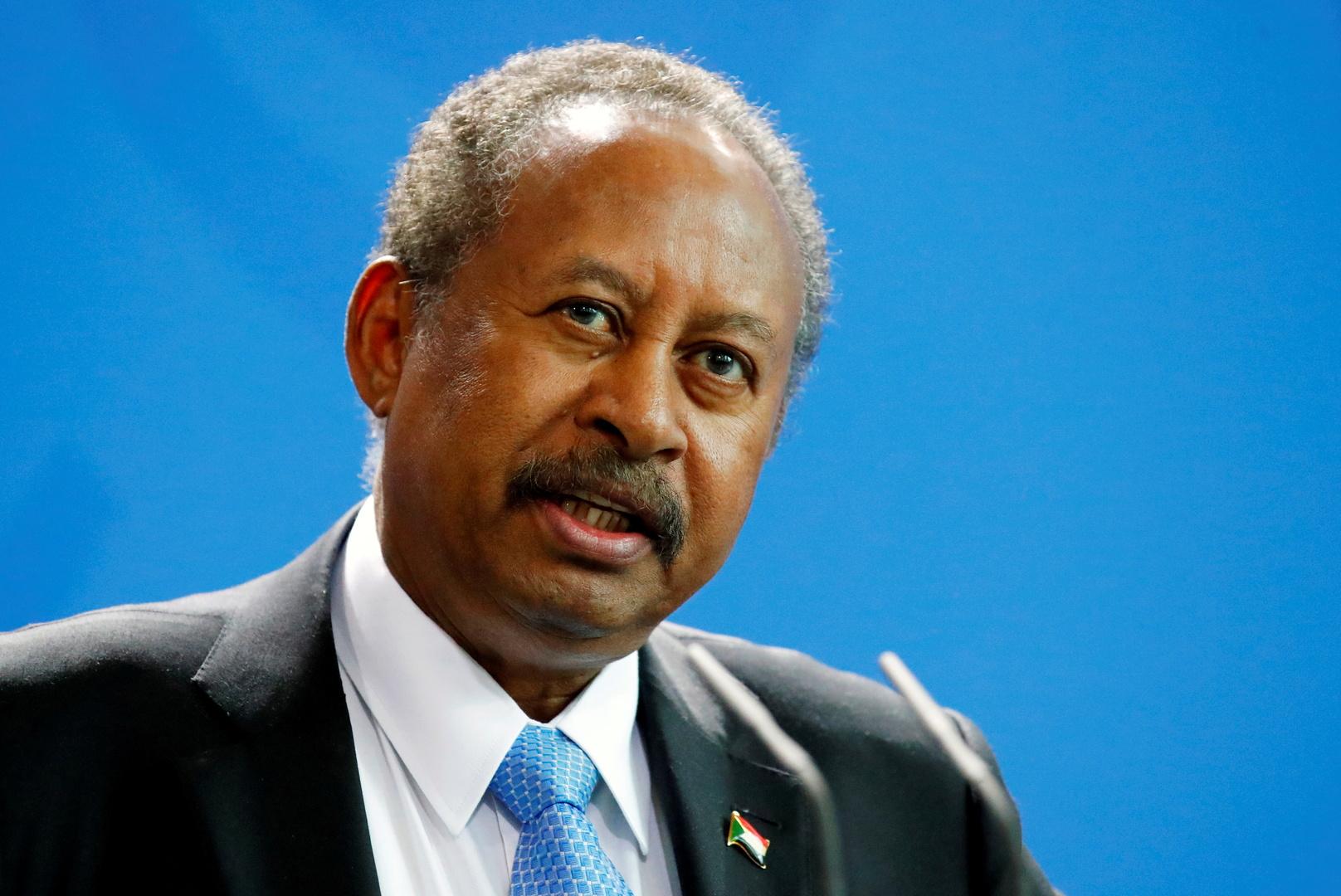 رئيس الوزراء السوداني: الصراع في بلادنا ليس بين عسكريين ومدنيين