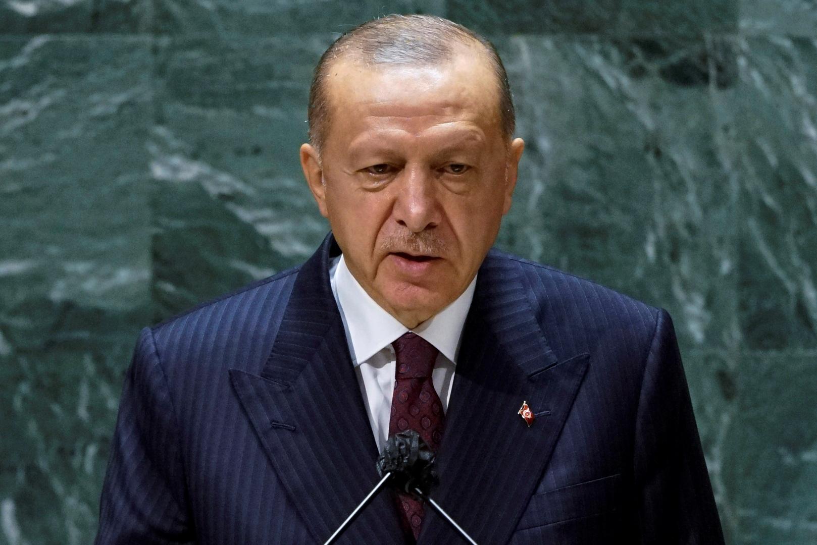 تقرير: موكب أردوغان يشحن سيارتين مصفحتين إلى الولايات المتحدة بكلفة 270 ألف دولار