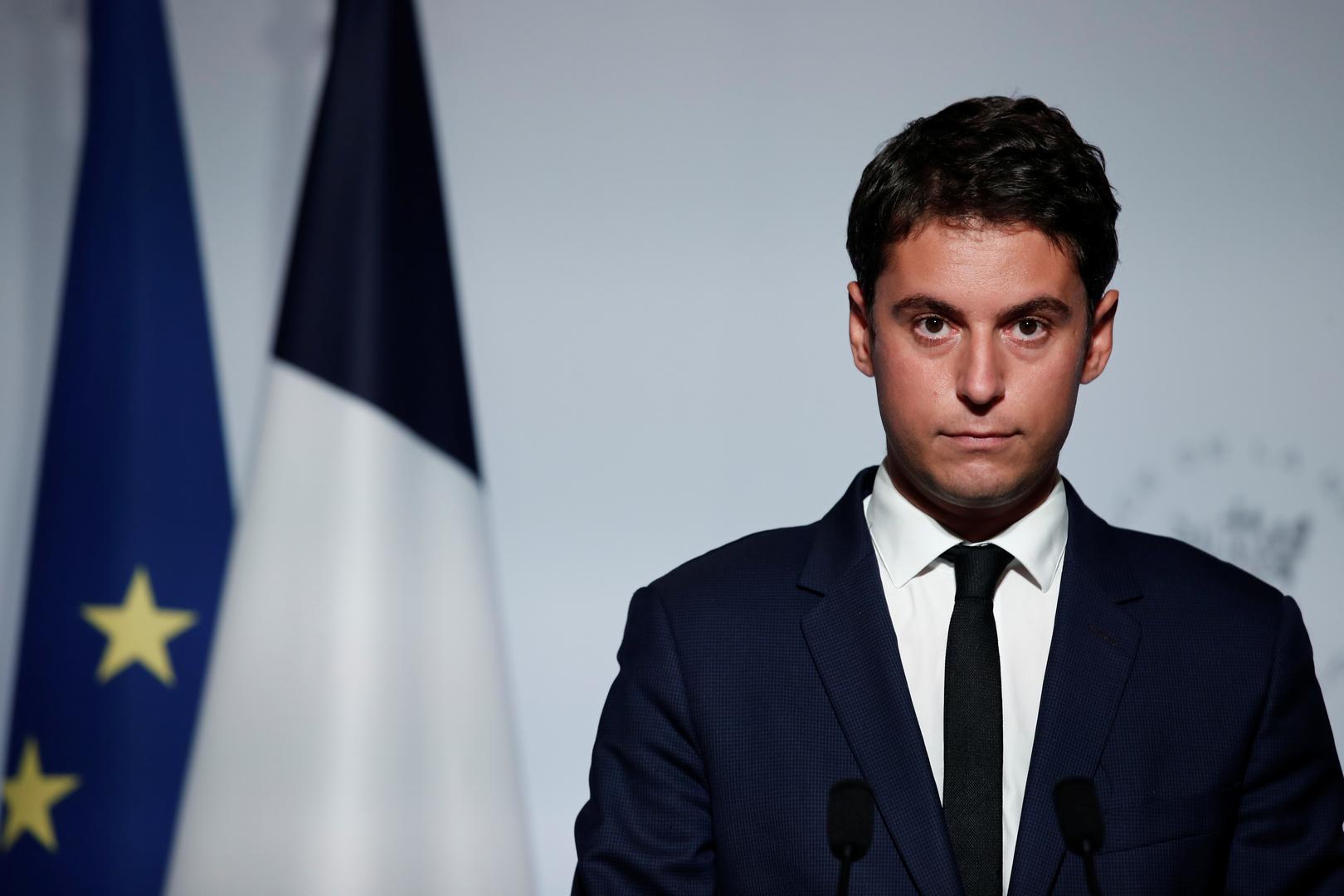 الحكومة الفرنسية تؤكد رغبتها في تخفيض عدد تأشيرات الدخول للجزائريين والمغاربة والتونسيين بشكل حاد