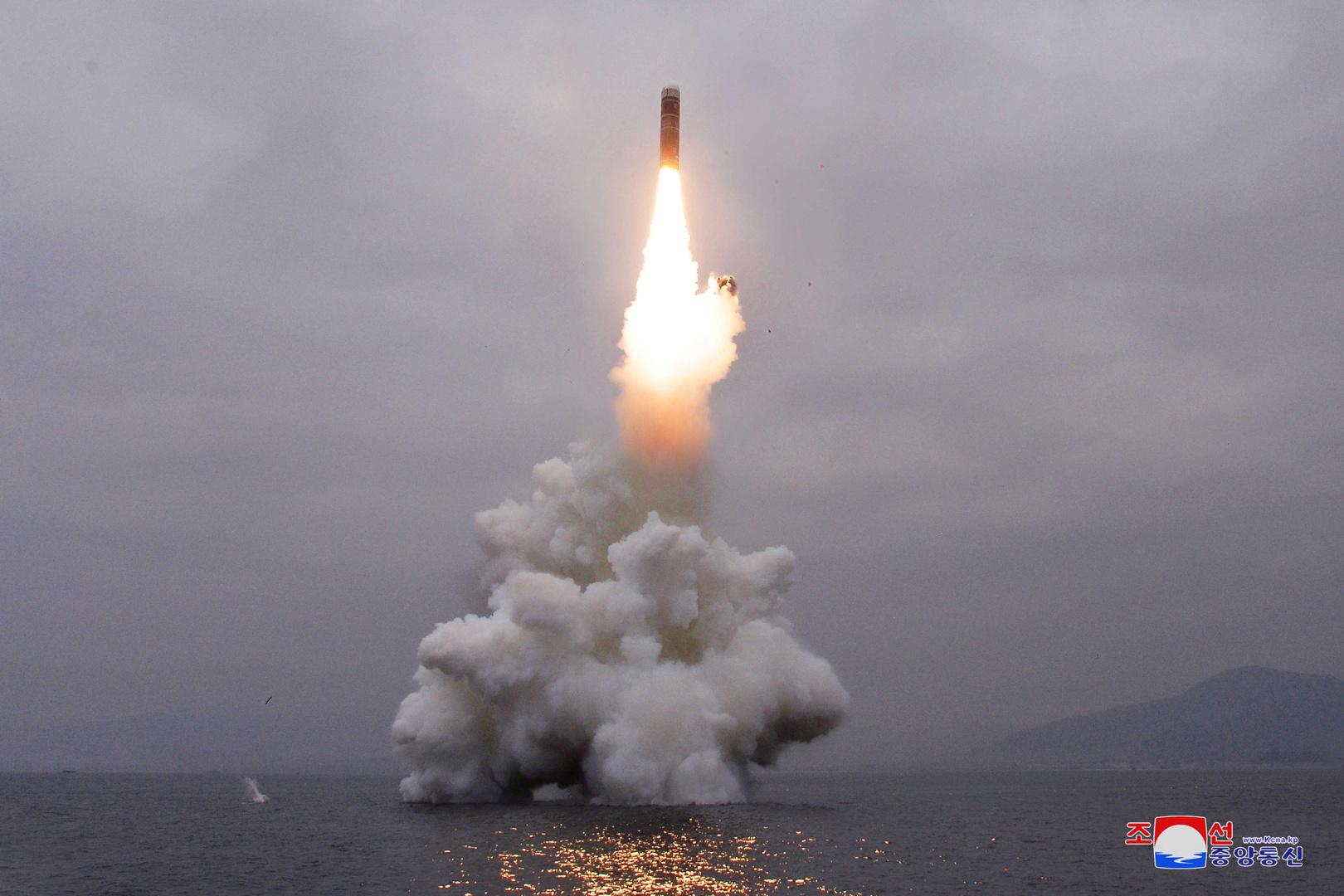 كوريا الجنوبية تطلق غواصة جديدة تحمل صواريخ باليستية