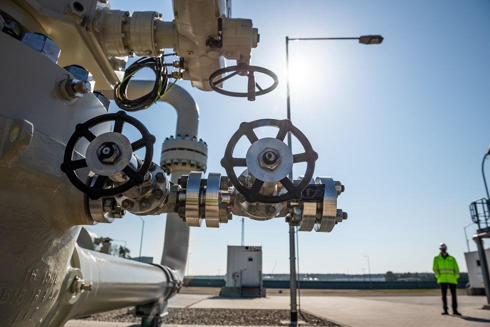 المفوضية الأوروبية: يجب على هنغاريا تقييم تأثير عقدها مع غازبروم على أمن إمدادات الطاقة