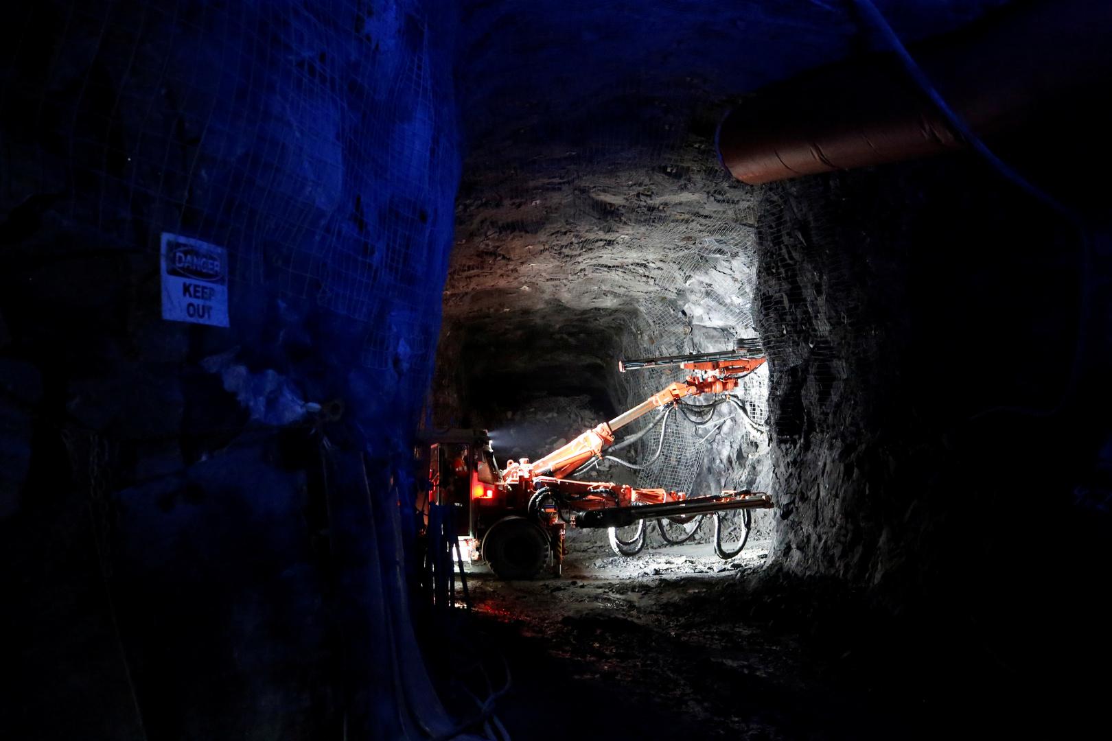 كندا.. إنقاذ 33 من أصل 39 عاملا حوصروا في منجم منذ الأحد الماضي