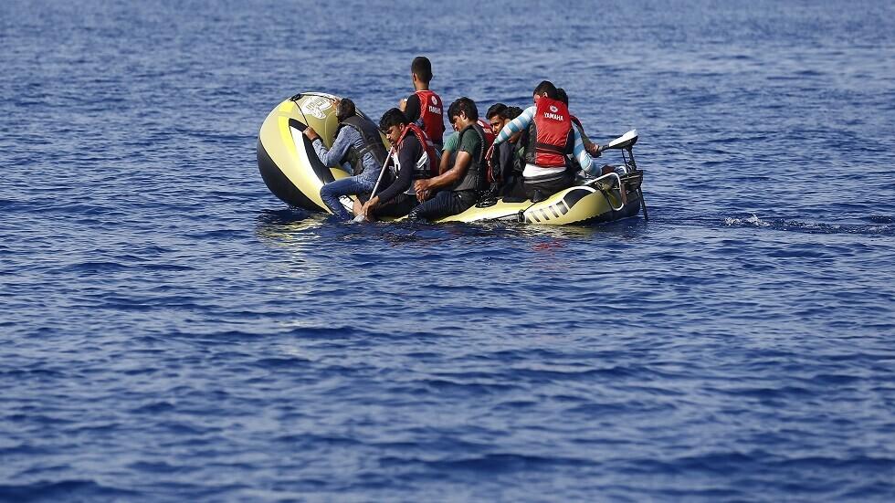 إيطاليا.. وصول سفينة لإنقاذ المهاجرين تحمل 60 مهاجرا