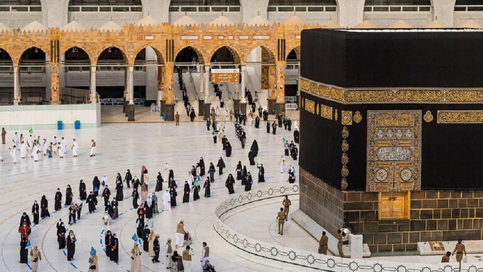 السعودية تحدد شروط إصدار تصاريح العمرة