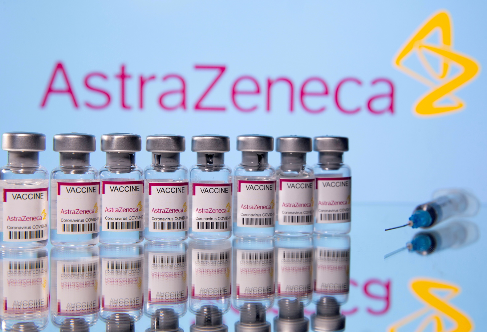 بولندا تتبرع لمصر بأكثر من مئة ألف جرعة من لقاح