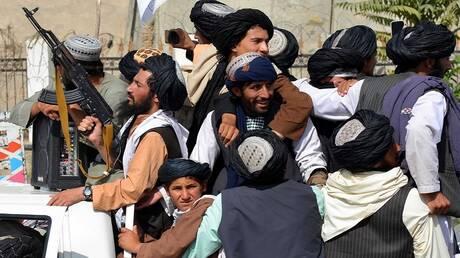 """""""بي بي سي"""": أنباء عن شجار كبير بين قادة """"طالبان"""" في القصر الرئاسي"""