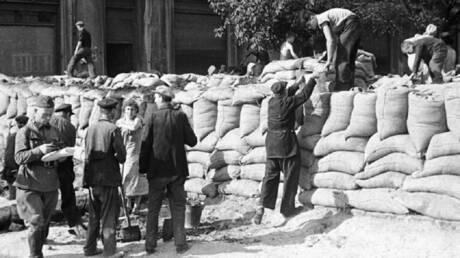 وفاة عميل النازيين هيلموت أوبرلاندر في كندا