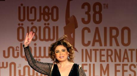 الفنانة المصرية إلهام شاهين بجوار زوجها الأول عادل حسني بعد 25 عاما على انفصالهما