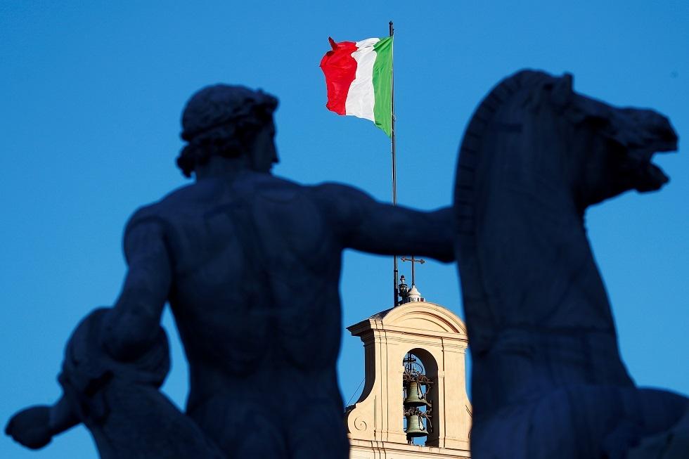 إيطاليا.. سجن 15 شخصا بتهمة التغيب عن العمل