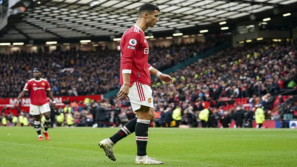 A photo of Ronaldo's shin guard during Everton's game sparks controversy (pictured)