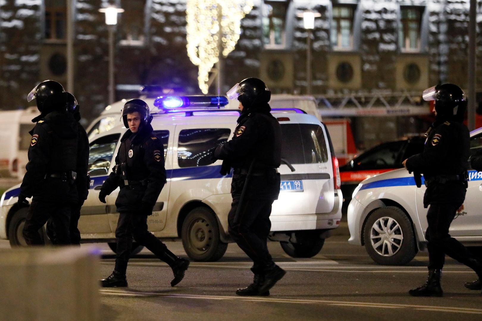الأمن الروسي يلقي القبض على عناصر خلية إرهابية (فيديو)