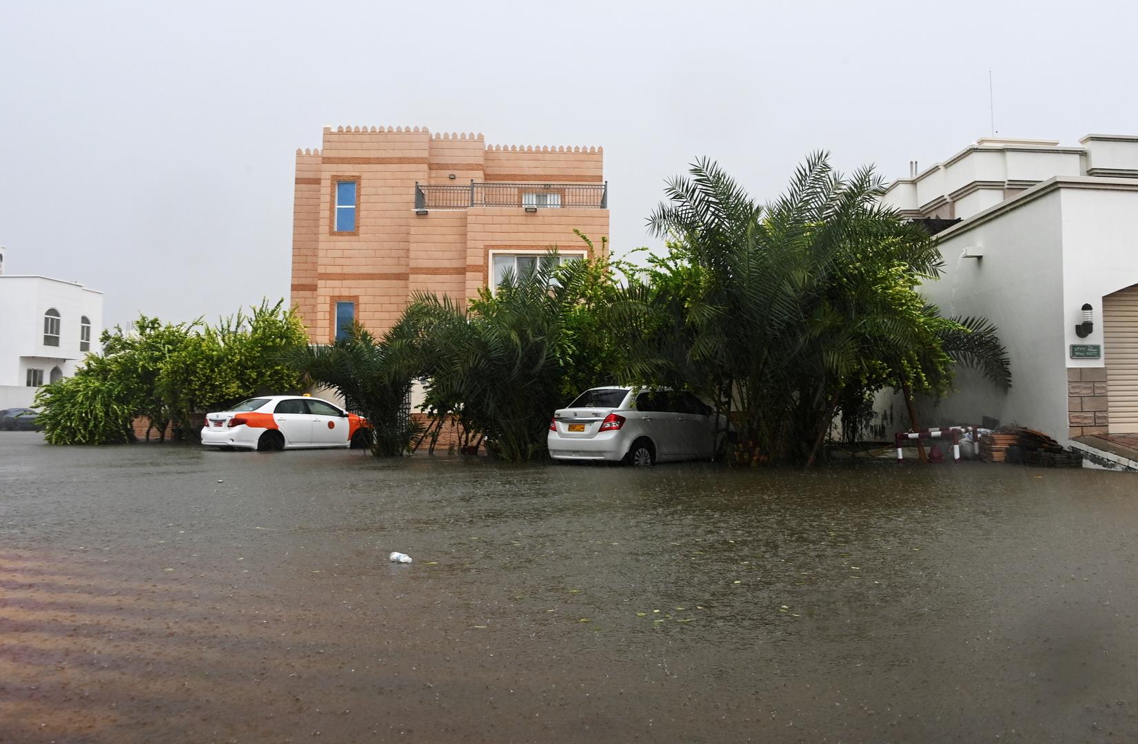 الإعصار شاهين في العاصمة العمانية مسقط