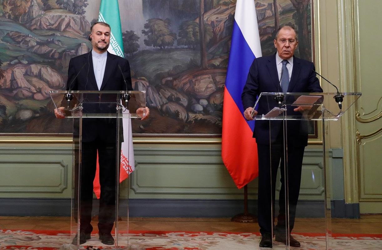 وزير الخارجية الروسي سيرغي لافروف ونظيره الإيراني حسين أمير عبد اللهيان