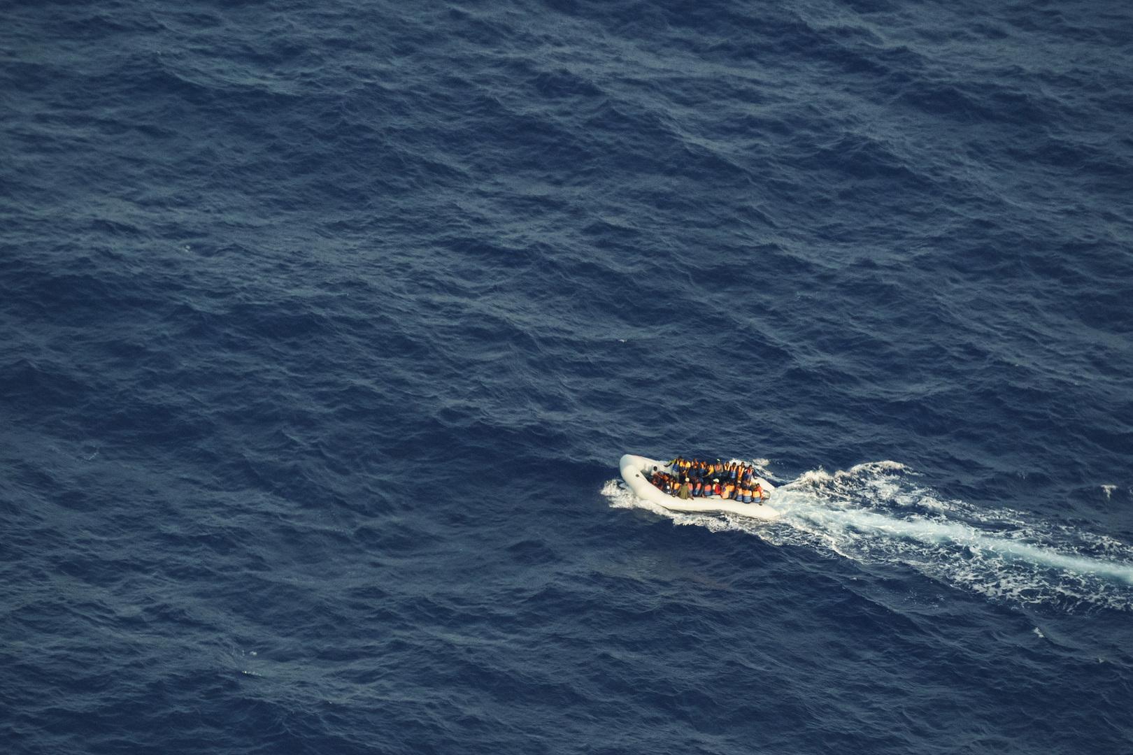 الهلال الأحمر الليبي: انتشال جثث 17 مهاجرا من البحر